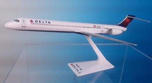 DELTA   AIRLINES , MCDONNELL DOUGLAS MD90   2007 ---   DESK MODEL