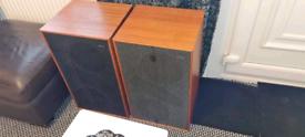 2 x solar vox speakers