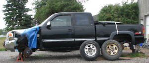 PARTING OUT: AS-IS 2000 GMC Sierra 1500 SLE Pickup Truck