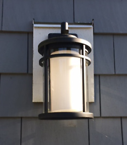 7 Beautiful Outdoor Wall Sconces!
