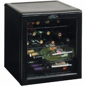 Refroidisseur à vin 17 Bouteilles Danby ( DWC172BL )