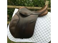 "17"" medium ideal event gp saddle."