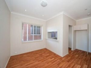 2 bedroom apt for rent in eastern suburb Chifley Eastern Suburbs Preview
