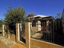 Spacious IDEALLY LOCATED villa in bentley Bentley Canning Area Preview