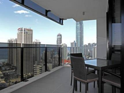 [Centre of Surfers Paradise] Share room for female