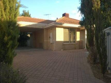 Low Rent. Room in Beautiful House. FREE Wifi. Opposite Curtin Wilson Canning Area Preview