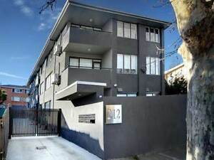 FULLY FURNISHED 3 BEDROOM APARTMENT IN ST.KILDA, STUDENTS WELCOME St Kilda East Glen Eira Area Preview