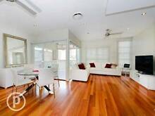 GORGEOUS MODERN HOUSE AT NORMAN PARK Norman Park Brisbane South East Preview