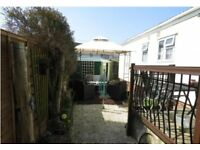 Beautifully kept 1 Bedroom Mobile Home with Generous Manicured Gardens