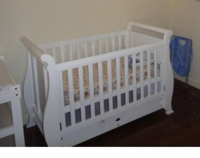 Boori Country 3 in 1 deluxe cot and mattress Narrogin Narrogin Area Preview