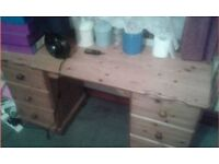 PINEWOOD DESK - NICE - WOW - SOLID