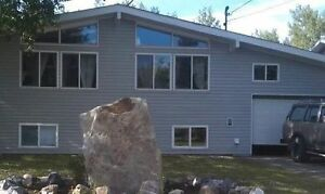 3 bedroom Bright Upper Suite FURNISHED April 15 CHETWYND