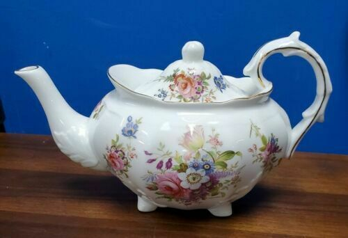 "HAMMERSLEY Teapot Bone China English golden edges, 3 cup, 9"" wide"