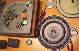 VINTAGE & VINYL TURNTABLES & RECORD PLAYERS + NOW DOES REPAIRS