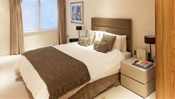 Great one bed flat just off Kensington High Street