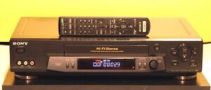 Sony VHS VCR Model SLV-N71 With Remote. High End.