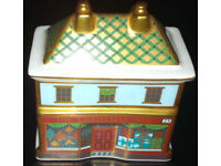Very Rare Retired Royal Crown Derby The Christmas Box House - 1st - best -