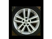 Wanted vectra c alloys with tyres