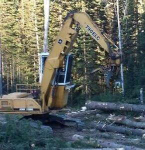 John Deere 790ELC Log Loader
