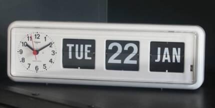 JADCO BQ38 CLOCK CALENDAR