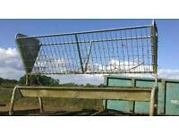 Cattle feeder/ hay rack