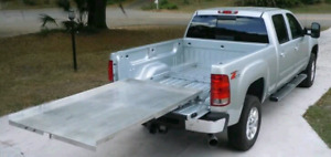 Rolling cargo bed