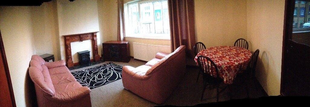 Sketty/Tycoch Clean & Spacious 2 bedroom First Floor Flat