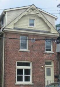 DOWNTOWN - BEAUTIFUL 1 BEDROOM PLUS DEN - RENOVATED - $1500