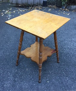 Table d'appoint antique / Antique Coffee Table