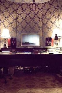 Mixing engineer / record producer looking for apartment/loft London Ontario image 1