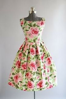 WANTING TO BUY: 1930s - 1950s VINTAGE CLOTHING