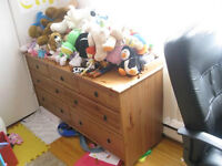 A large chest of drawers - 7 drawers: solid wood - Leksvik