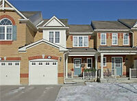 3 Bed. Townhome for Rent in Newmarket Close to Upper Canada Mall
