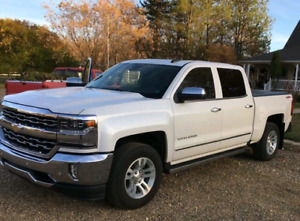 Chevrolet Silverado LTZ  *very low kms**