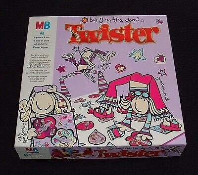 GIRLS TWISTER GAME :BANG ON THE DOOR