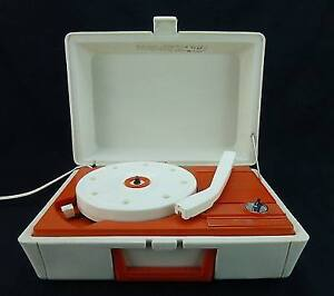 Vintage General Electric Portable Record Player BRAND NEW STYLUS