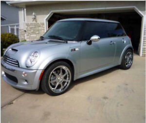 2005 Mini Cooper S With Summer and Winter Tires and Rims