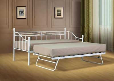 The day bed combines both functions in one format