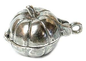 VINTAGE SILVER OPENING MOUSE IN PUMPKIN CHARM