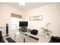 ***FINCHLEY: Beautiful 2 Bed in Secure Development with Parking***