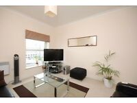 ***FINCHLEY: Newly Decorated 2 Bed Flat ***