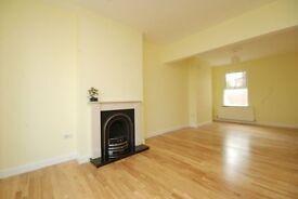 3 bedroom flat in Carlton Hill, St John's Wood