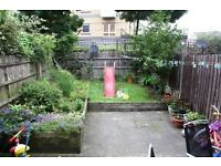 3 BED 1 BATH MEWS HOUSE, PRIVATE ESTATE, GARAGE, PATIO GARDEN Magellan Place, Docklands, London