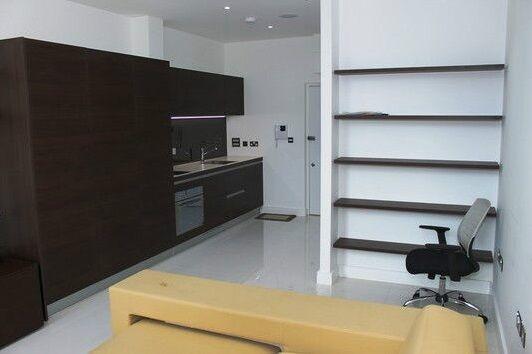 Studio flat in Albany House, Judd Street, Kings Cross