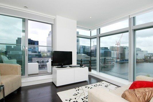 MODERN LUXURY DESIGNER FURNISHED 1 BEDROOM APARTMENT! VACANT IN PAN PENINSULA - 8TH FLR CANARY WHARF