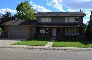 SPACIOUS FAMILY HOME IN SUNNINGDALE, MOOSE JAW