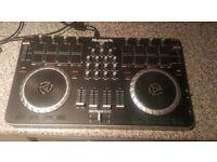 Numark MIXTRACK QUAD 4 channel DJ controller