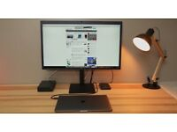 Perfect Condition Macbook LG UltraFine 4k 21inch Monitor