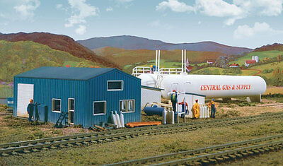 3011 Walthers Cornerstone Central Propane Gas & Supply Tank HO Scale