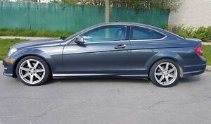 2013 Mercedes-Benz C-350 4MATIC Coupe (2 door) LIKE NEW